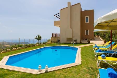 Crete holiday villa Dimitris, Triopetra, South - Lampi - Huvila