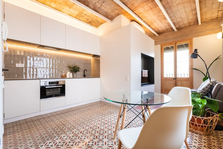 STYLISH STUDIO IN BARCELONETA NEIGHBORHOOD