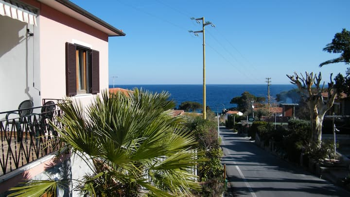 lovely apartment  120 mq   see view , beach at 50m