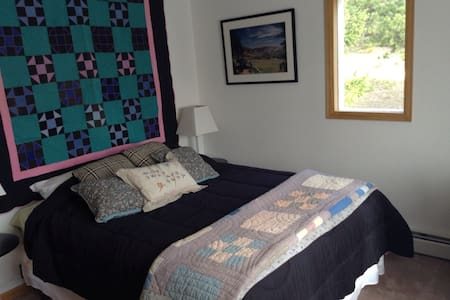 Secluded mountain B&B-$65/night - Nederland