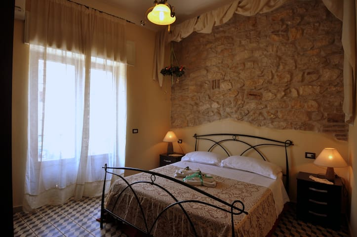 Room Between Rome-Naples (R.Oreste) - Ausonia - Aamiaismajoitus