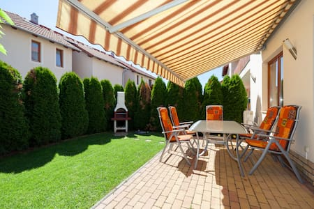 Garden house - spacious and comfy - Budapest - Apartmen