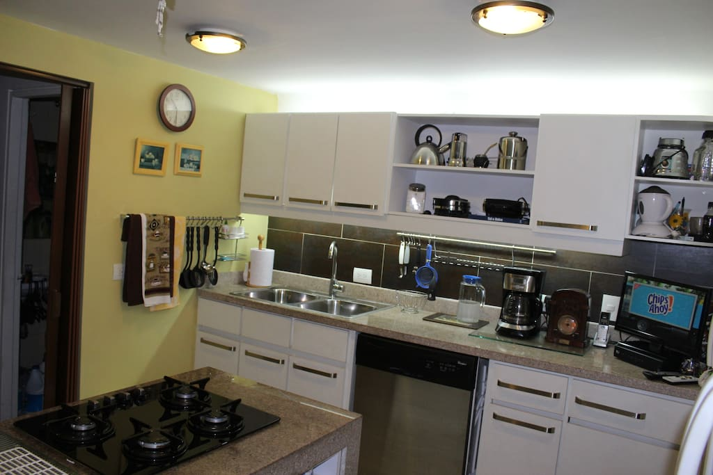 You can use the kitchen anytime. You can have breakfast here or in the dining room