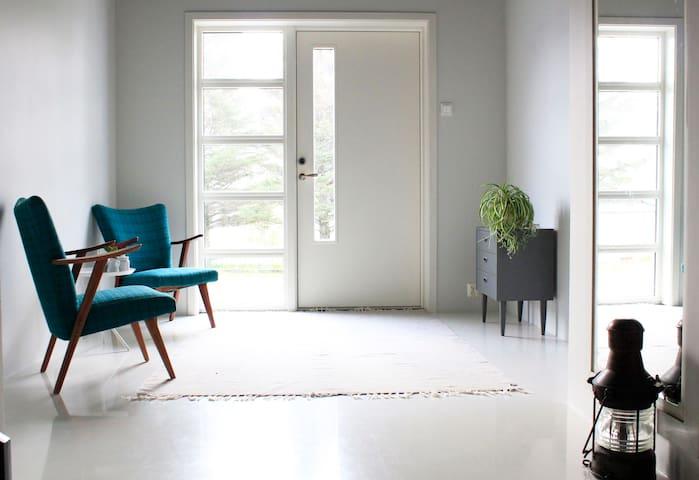 Scandinavian secluded minimalism - Lofoten
