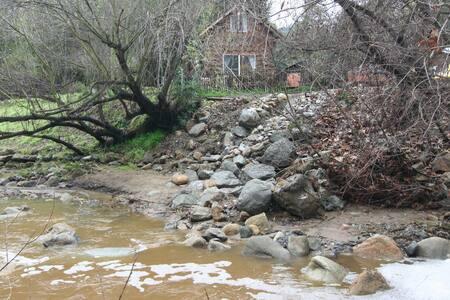 Topanga Creekside Cabin and Farm - Topanga Canyon - Skáli