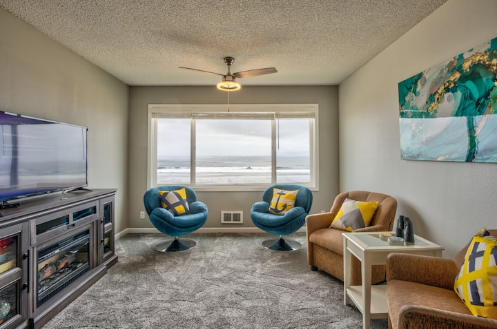 "Make memories and meals in ""Finders Keepers,"" a two-room beachfront condo"