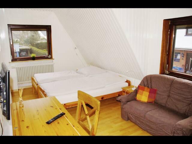 Privatzimmer in Ferienwohnung - Bremerhaven - Casa
