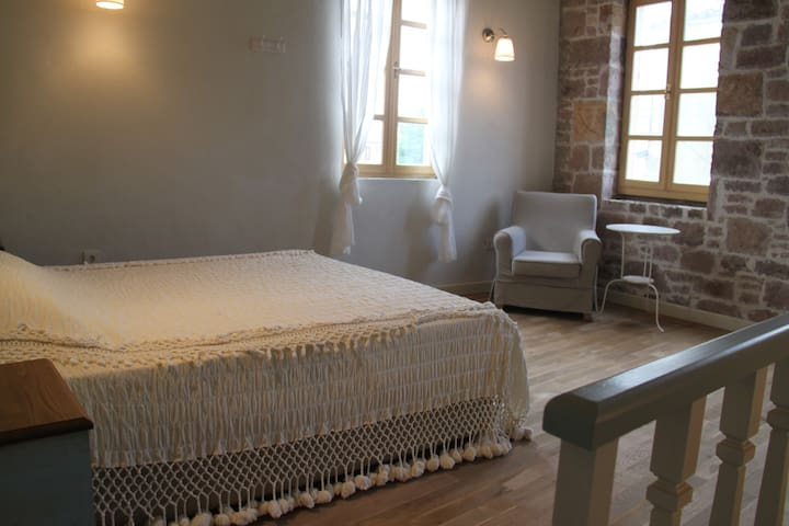 Authentic Renovated Stone House - Ayvalık - Haus
