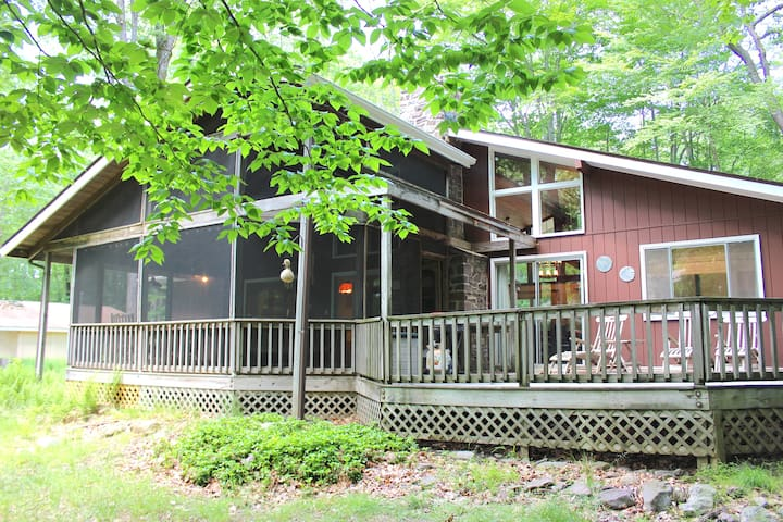 Renovated Lake House w/ Kayaks and Golf Cart - Tobyhanna Township - Dom