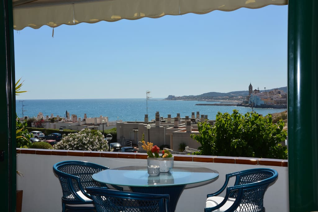 Wonderfull View on Sitges. Beaches at 50 meters, center Sitges at 500 meters.