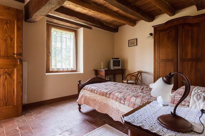 B&B Ca' Bertu'  Bedroom Picchio