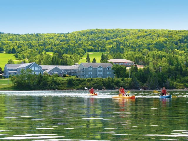 Lakeside Vacation Resort with Golf Course - West Bay - Other