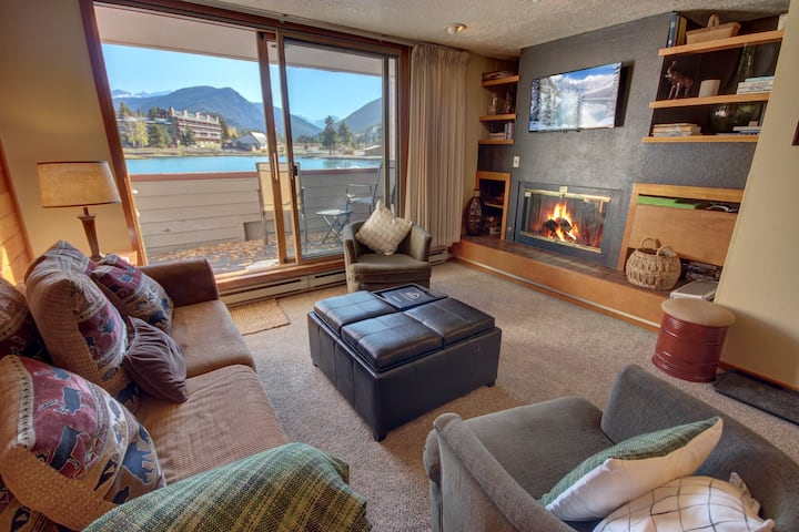 On the Lake!  Grill on Private Deck & Walk to Lake Activities! Argentine 1507