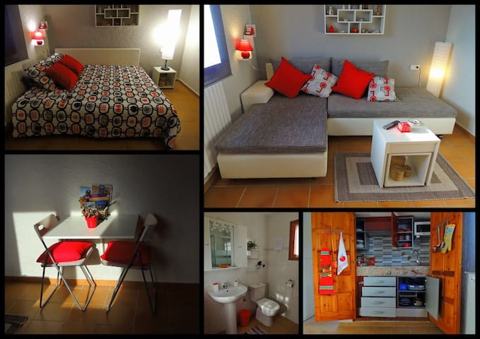 ROOM+KITCHEN'S CORNER 2 PERSON+KID - Calonge - Haus