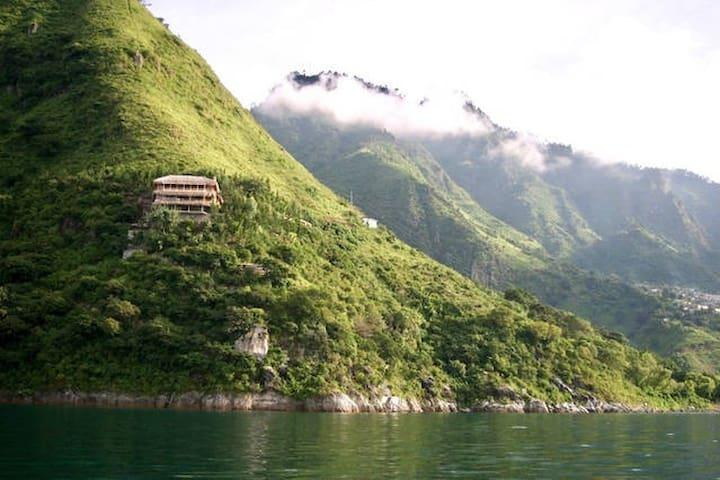 Breathtaking Views - Tropical Cliffside Loft