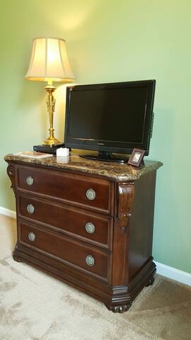 You can use the little dresser for your belongings.