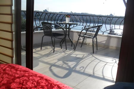 Terrace Room with Sea View - Emekyemez Mahallesi - Loft