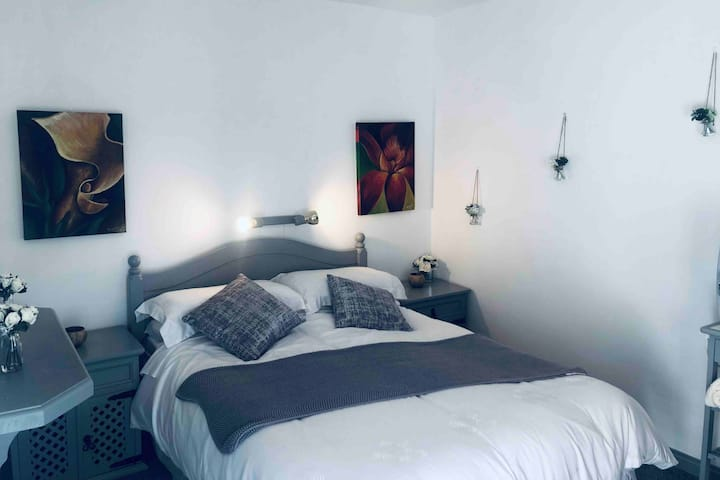 Double room, near Killorglin, seperate entrance