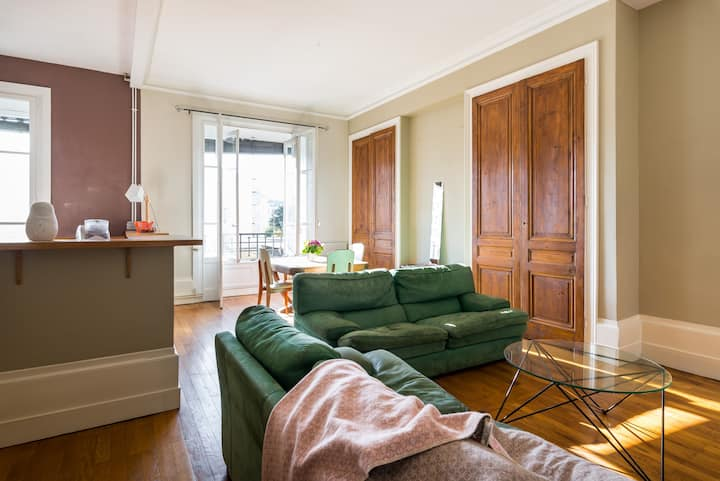 Great typical renovated appartment nearby center