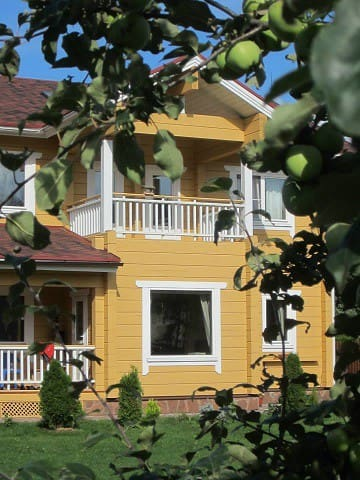 2 rooms with private bathroom in a private house - Strelna - House