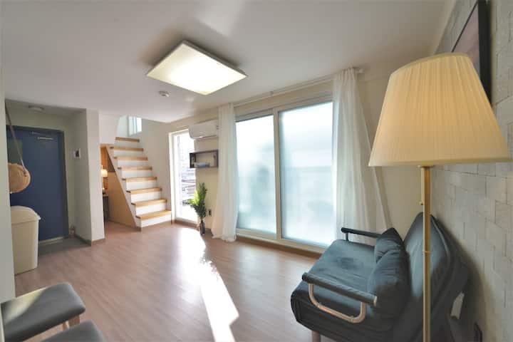♥Fave501♥Helloworld Duplex rooftop★Newly open★