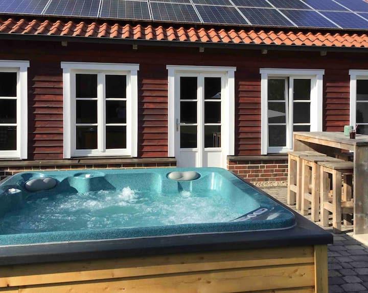 Loft-Style Häuschen mit Terrasse & Außen-Spa Pool