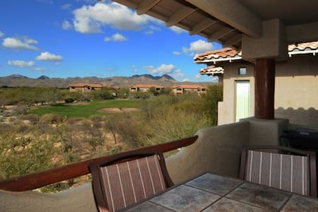 Upstairs Corner Casita w/ incredible sunset views. - Oro Valley - Kondominium