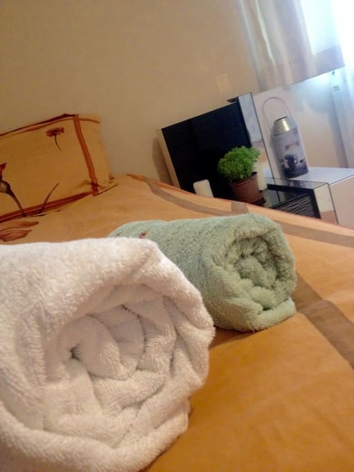 We provide fresh towels for our guests as well.