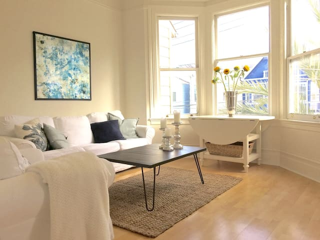 Cole Valley Jewel 1 BR