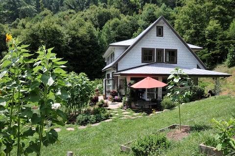 Flutterby Ridge Vacation Retreat
