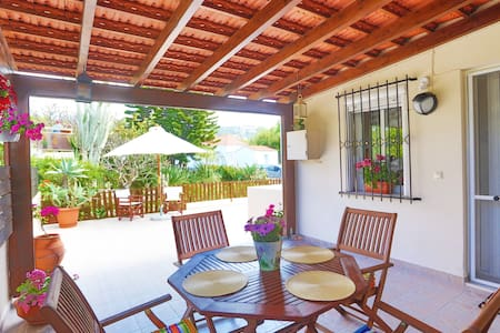 Ideal family house with big yard in Ialysos,Rhodes