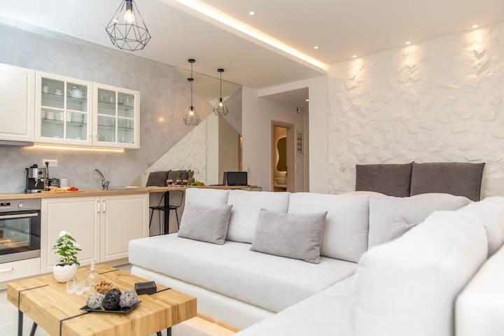 Arktos Luxury Apartment Naxos
