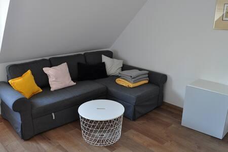 Ingolstadt Süd Wohnung vollmöbliert 90 qm