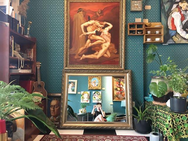 疯人小居1号公寓 老法式艺术氛围二人居浪漫公寓 French style apartment