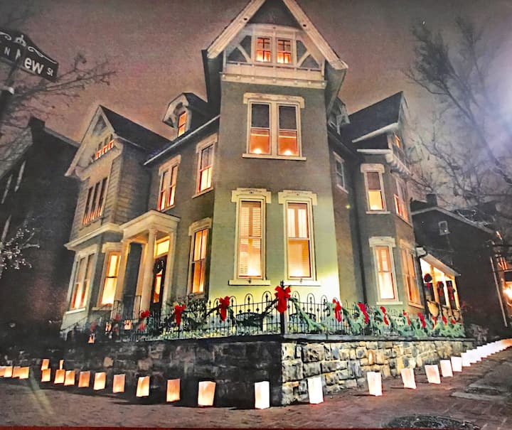 HistoricDistrict Christmas City Mansion 5Star Lux