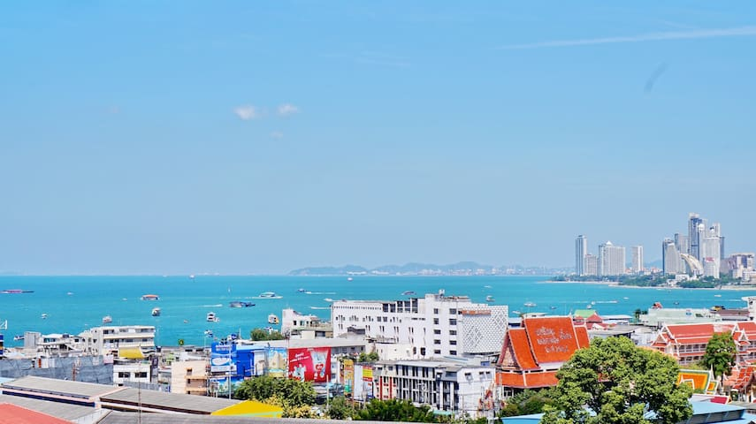 Stunning Sea View Condo Pattaya's Best location!