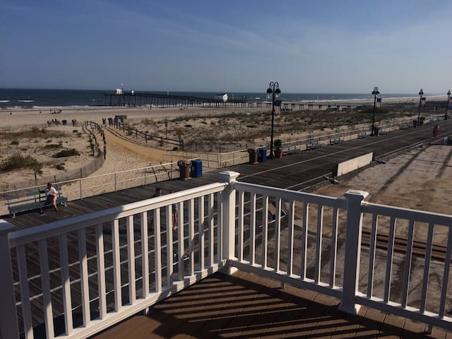 Ocean front apartment - Ocean City