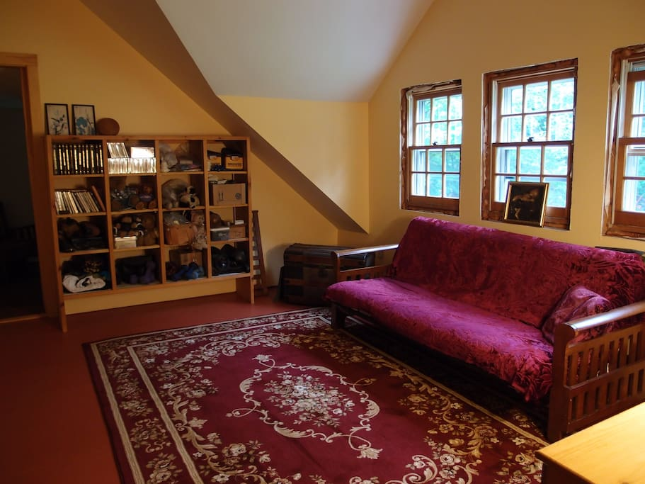 Futon, sitting area in large Room #2, can be used for children