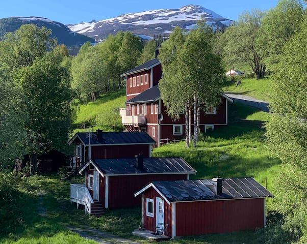 Charmig egen 3p stuga mellan Åreskutan & Åresjön