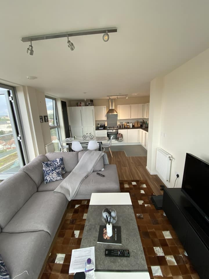 7th floor penthouse in 2 bed flat