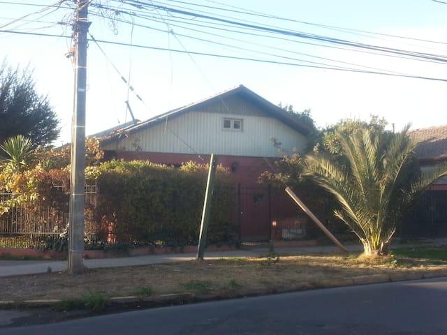 Casa esquina,estacionamiento - La Cisterna - Rumah
