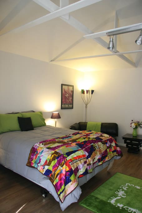 Private Centrally- Located Guesthouse