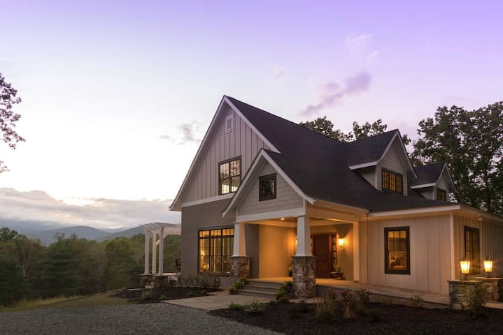 Ad Astra Whole House - Afton - Bed & Breakfast