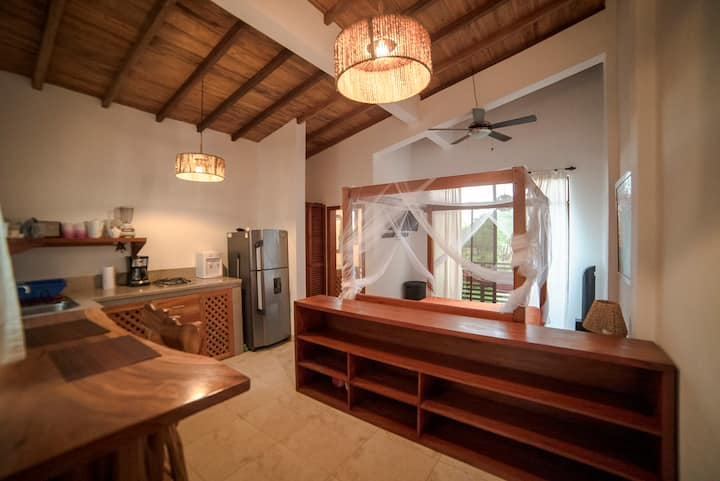 Bright and cozy Studio with Balcony Ayampe