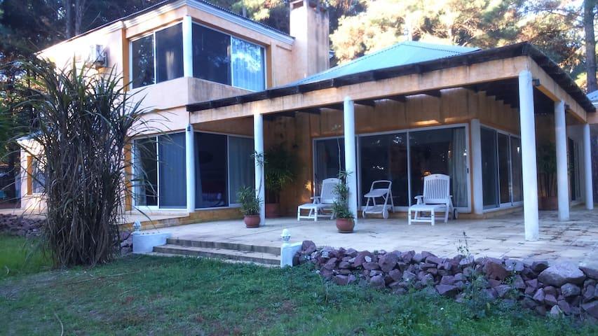 Casa Estilo Mexicana en El Faro, Carmelo-Uruguay.
