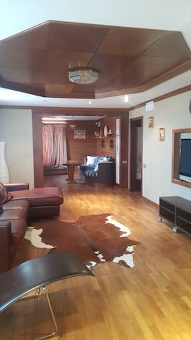 Квартира с личной мансардой! - Sankt-Peterburg