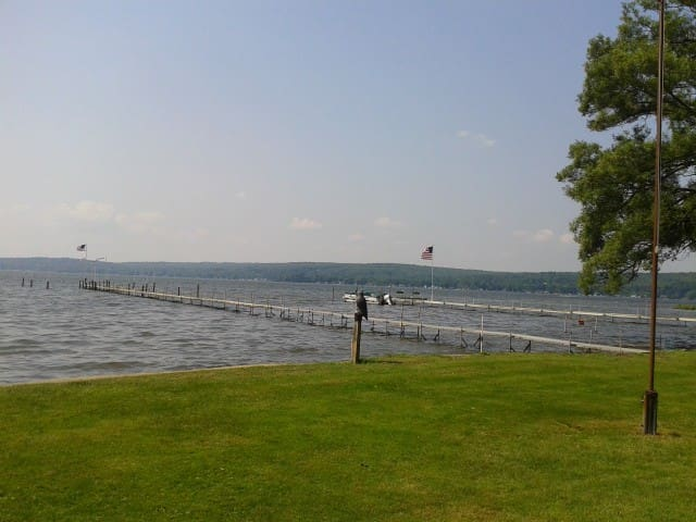 Lakefront Cottage - Bemus Point - Casa