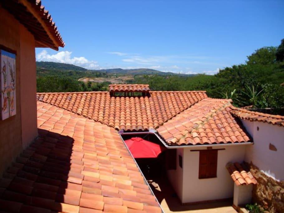 Vista desde arriba al patio y cocina
