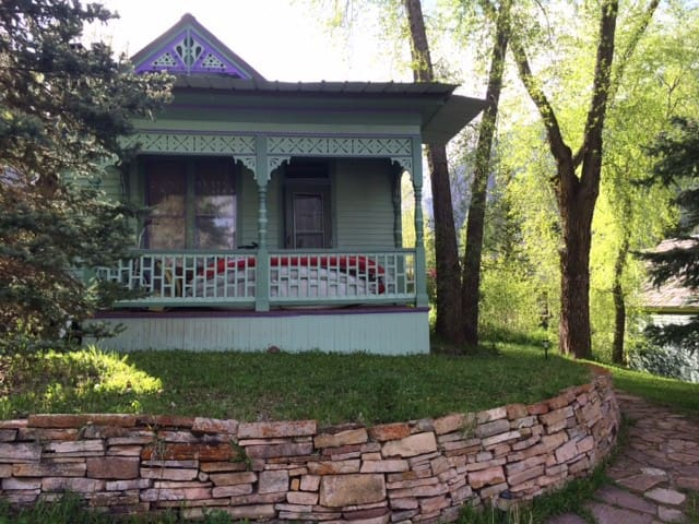 1890's Victorian with yard, parking - Telluride - Huis