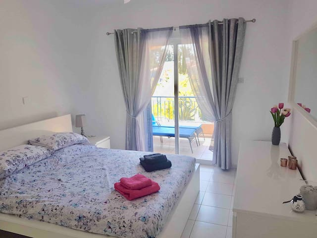 Beautiful 1 bed apt in Paradise Gardens 3 Paphos